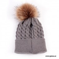 Knitted hat with fur ball - Gray
