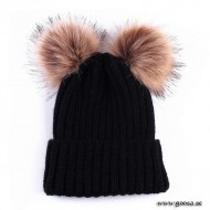 Knitted hat with fur balls - Black
