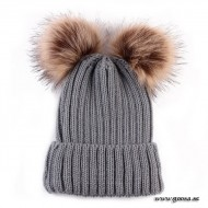 Knitted hat with fur balls - Gray