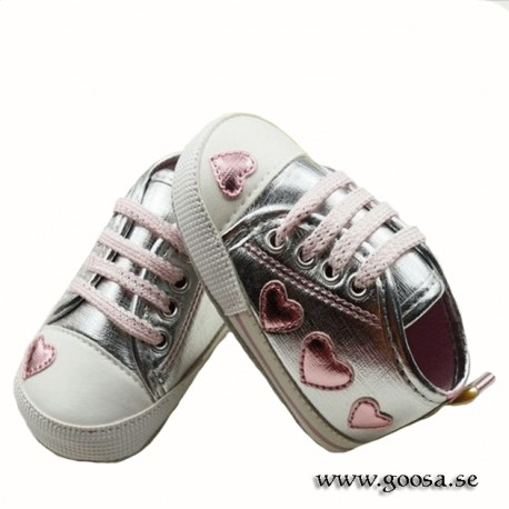 Baby Shoes silver with hearts